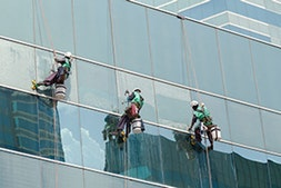 https://vcimages.imgix.net/vcsites/newhome/skyscraper-window-cleaning.jpg?compress=true&q=75&w=253&h=169